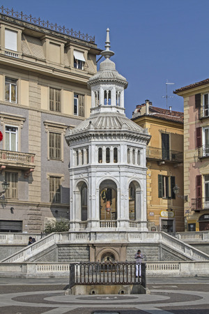 Hot springs in Acqui Terme donates about 75 ° C hot thermal water in the center of the city.