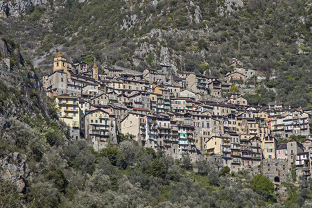 hinterland: The town Saorge lies in the  Alpes-Maritimes and is due to its spectacular location, the villages most impressive throughout the Roya Valley