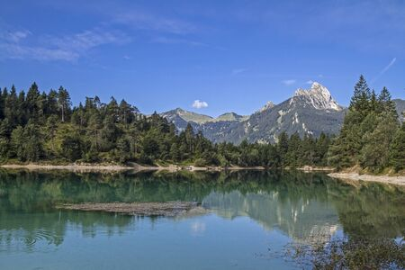 particularly: The Lake Uri is a small lake at Reutte and particularly popular with diving athletes