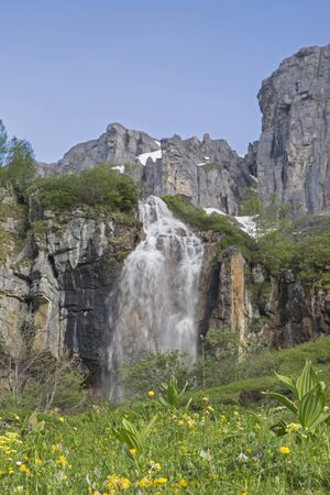 In the driveway to the the Klausen Pass, you pass this impressive waterfall