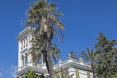 mundane: Hotel palaces and chic villas surrounded by charming parks shape the streetscape of the mundane Bordighera