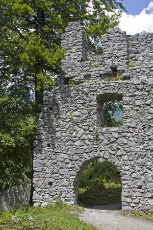 expire: The castle ruins Werdenfels located about 80 meters above Loisach Valley and gave all the province its name Stock Photo