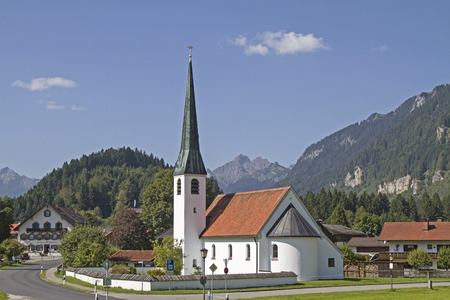 schutz: Graswang is a small idyllic village in the homonymous valley, which lie next to the famous Royal Castle Linderhoft
