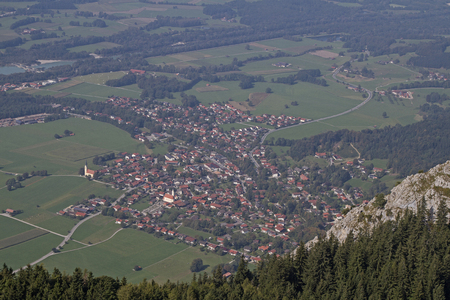 inn: View from the Heuberg to the small village of Nussdorf am Inn Stock Photo