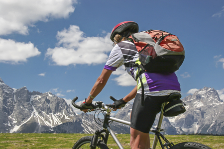 On an MTB tour north of the Kreuzberg pass you can enjoy a wonderful view of the Sexten Dolomites