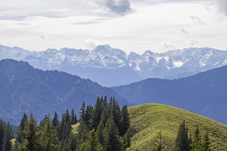 View of the summit of the Hintere Hoernle to the Stierkopf and Wetterstein mountains