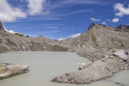 Lago del Miage - Glacier lake in the grandiose Val Veny on Monte Bianco Standard-Bild - 98524786