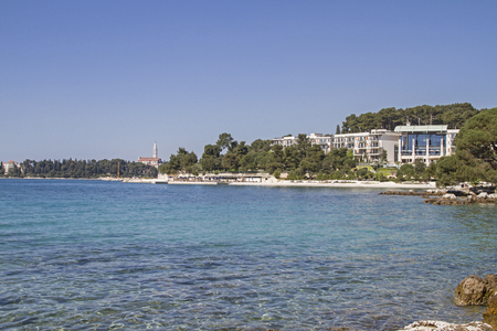 One of the many hotels in Rovinj attractively located in the parks of the peninsula Zlatni rt 스톡 콘텐츠