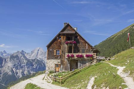 Plumsjoch hut is a popular destination for hikers and mountain bikers in the karwendel Standard-Bild - 115204173