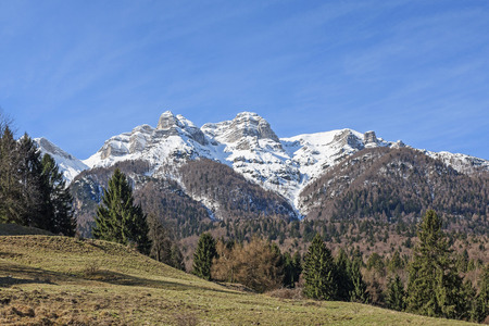 The Vigolana Mountains are a group of mountains in Trentino with peaks that rise to almost 2200 m and belong to the Vicentine Alps Banco de Imagens