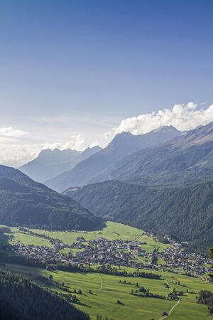On the driveway to the idyllic hamlet of Farst you can enjoy this comprehensive view of Umhausen and the southern Oetztal Stock fotó