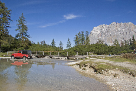 Travel by jeep through the Seeebensee in Mieminger Mountains