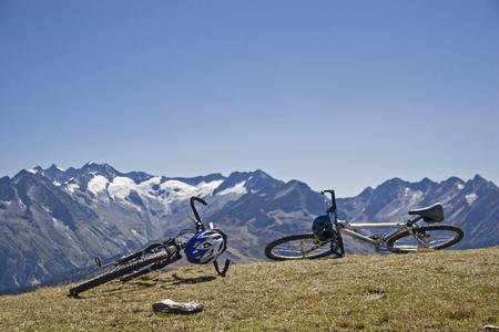 Enjoy mountain biking through the Zillertal Alps and the panorama
