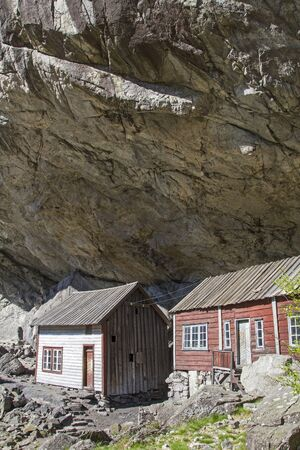 Helleren - these rock houses are absolutely rainproof even without a roof