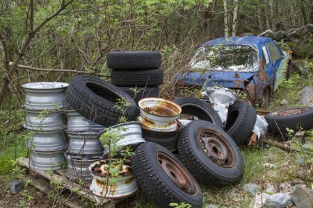 One problem that you come across again and again in the beautiful landscape of Norway is the wild disposal of bulky waste and scrap vehicles