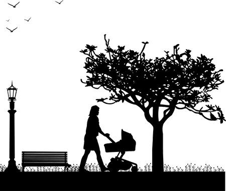 pushing: Een jonge moeder duwt de kinderwagen en loop door het park in het voorjaar silhouet