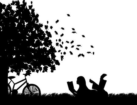 mujer leyendo libro: Silueta de niña con bicicleta leyendo un libro bajo el árbol en el otoño o el otoño, una en la serie de imágenes similares