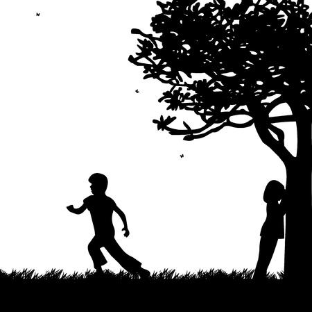 playmates: Ni�os que juegan a las escondidas en el parque silueta, uno en la serie de im�genes similares