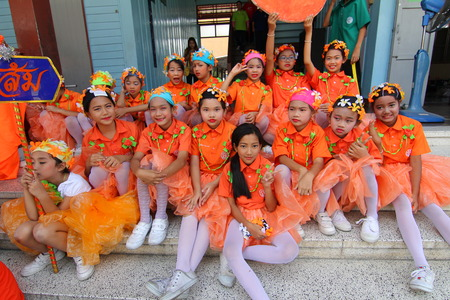 encouraged: BANGKOK CITY, THAILAND - JAN 2015: In the jan 9, 2015. Bangkok County.Cheerleading Competition In any event, the color of elementary school students. The students are fun And encouraged in athletics. Editorial
