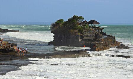 pura: Pura tanah lot Bali Indonesia