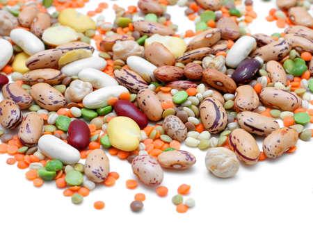 Mezcla de leguminosas: guisantes, lentejas, habas y garbanzos  Foto de archivo - 666296