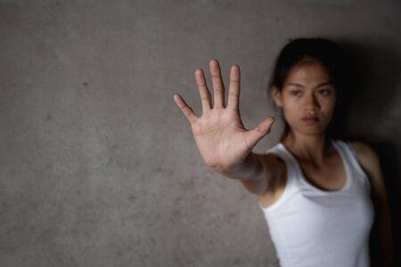 Alto a la violencia contra la mujer, abuso, trata de personas, violencia doméstica violación día internacional de la mujer. Foto de archivo