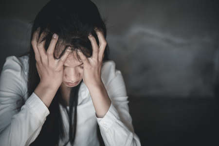 Business Woman Having Headache While Working Using Laptop Computer. Stressed And Depressed Girl Touching Her Head,  Work Failure Concept Imagens