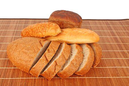 aliments: Boulangerie de rouleaux bonnes sur osier, fond en bois, des denr�es alimentaires