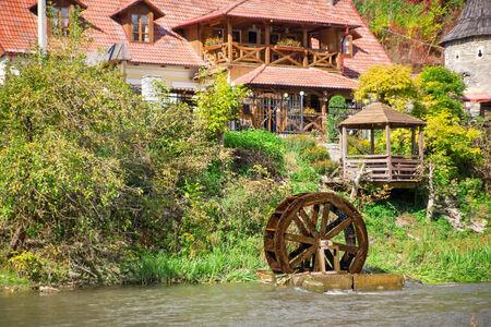 molino de agua: Casas rurales con restaurante y molino de agua