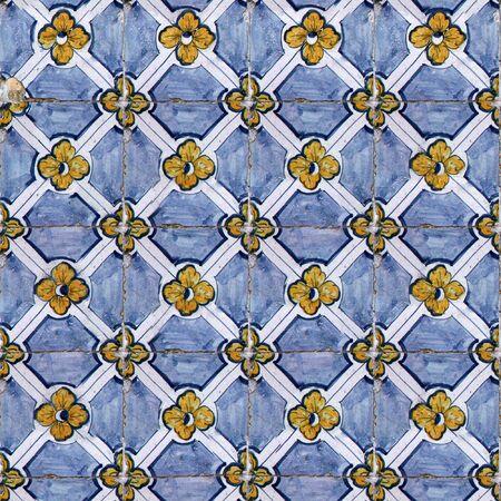 willekeurig: Naadloze tegel patroon van oude keramische tegels. U kunt een willekeurige Afbeeldingsgrootte maken door gewoon samen verschillende van deze beelden samen te voegen. Elke rand van dit beeld past bij de tegenoverliggende rand. Stockfoto
