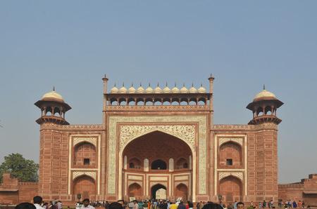 dura: Agra, India - November 2013 - Main Entrance to Taj Mahal Mausoleum Editorial