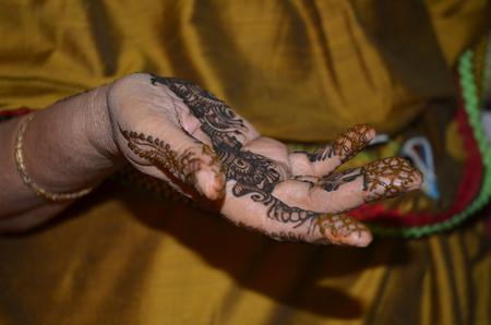 hand schilderen: India Henna hand schilderen