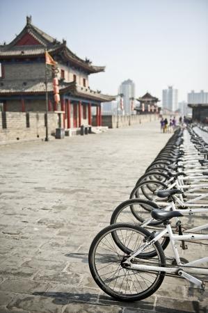 Bicycles on Xian City Wall, China Standard-Bild