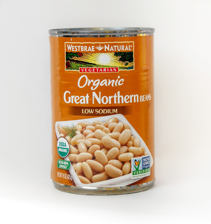 New York, December 02: A can of Organic Great Northern beans isolated on white. 에디토리얼