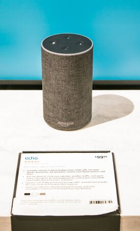 New York, 3/4/2019: Amazon Echo stands on display at Amazon Books store in Manhattan. Imagens - 133574732