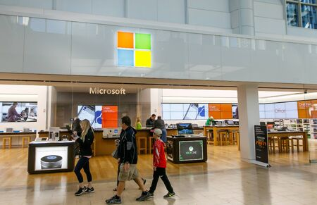 Ouside of a Microsoft store in Prudential Center in Boston. Imagens - 133574730