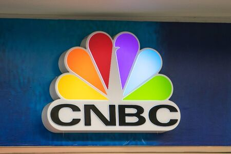 Atlanta, GA 8/28/2019: CNBC sign is mounted on the wall by CNBC shop at Hartsfield-Jackson Atlanta International Airport. 新闻类图片