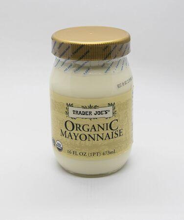 New York, 12/8/2019: Jar of Trader Joe's organic mayonnaise stands against white background. 免版税图像 - 138056057