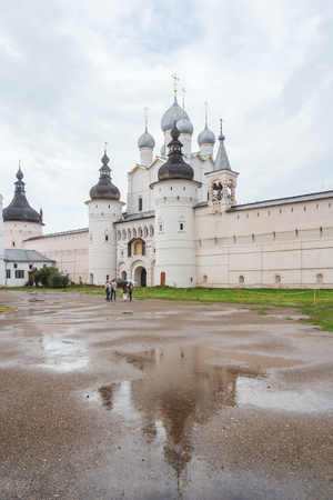 Entrance to the Rostov Kremlin in rainy weather