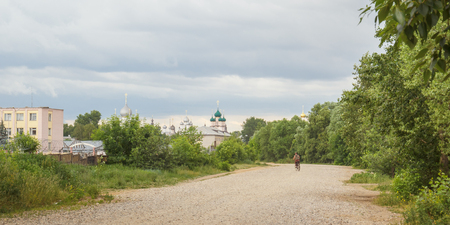 View of the Rostov Kremlin from the streets of the Podolye near Nero Lake in Rostov the Great Фото со стока - 78246420
