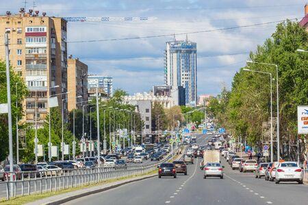 Samara city, Samara region/Russia - may 20 2019: Highway on a working day Редакционное
