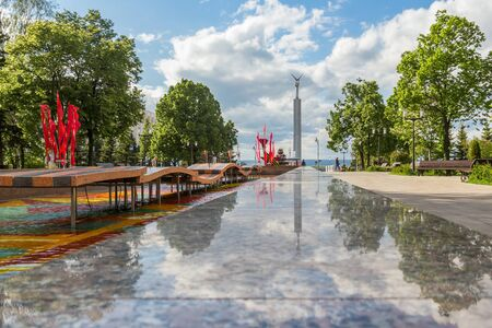 Samara city, Samara region/Russia - may 20 2019: View of the Glory Square and the fountain of the 30th anniversary of the victory Редакционное