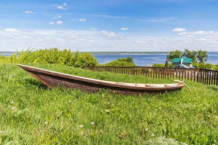 Wooden traditional boat Kosnushka in Sviyazhsk Фото со стока