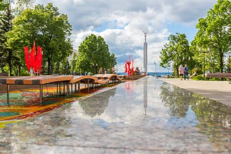 Samara city, Samara region/Russia - may 20 2019: Reflection in the fountain in honor of the 30th anniversary of the victory in the war Редакционное