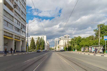 Samara city, Samara region/Russia - may 21 2019: Street with tram tracks on a sunny day Редакционное