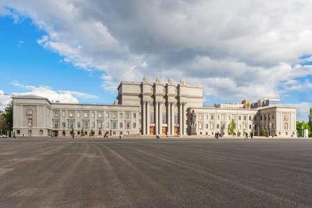 Samara Academic Opera and Ballet Theater in summer Редакционное