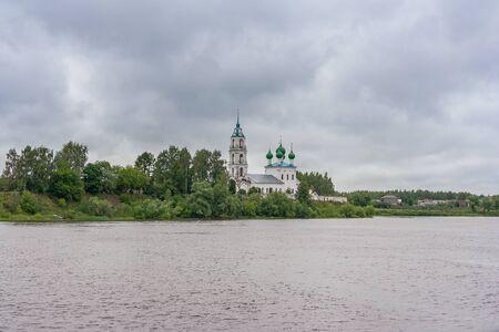 Church of the Life-Giving Trinity in Dievoye Gorodishche, Yaroslavl Region Фото со стока