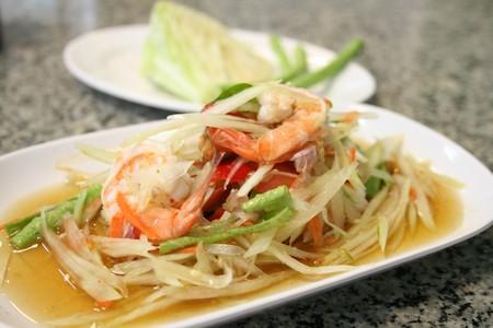 somtum thai salad, seafood salad