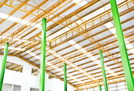 Metallic structure in the roof of a warehouse
