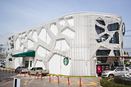 thru: SAMUTSAKHON, Thailand - November 2013 : Starbuck drive thru shop at Porto Chino was opened in year 2013, Thailand